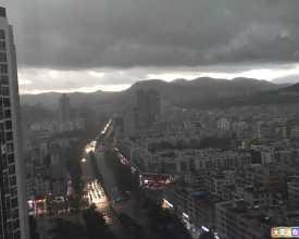 大亚湾的雨天 VS 深圳龙华的雨天